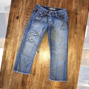 BKE Culture Stretch sz 27 Distressed Capri Jeans
